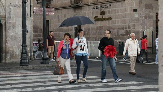 Llovizna sorprende a Morelia el último día del año