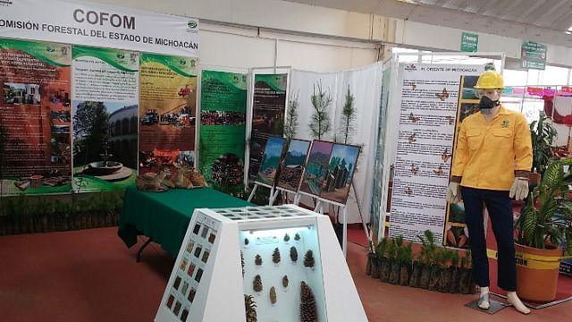Difunde Cofom cultura forestal en la Expo Fiesta Michoacán 2016