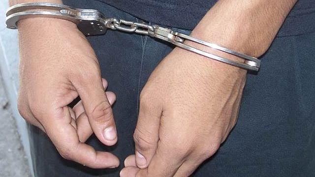 Detienen a dos personas con metanfetamina en Zitácuaro
