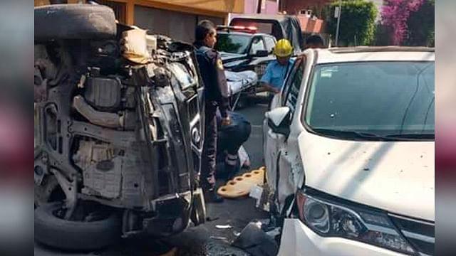 """Prepotencia, """"poli"""" alcoholizado de la CDMX agrede a balazos a taxista y pasajera"""