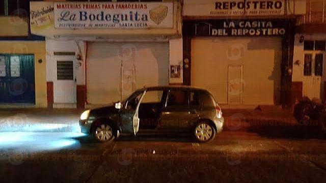 Conductor de un auto es asesinado a tiros en Zamora