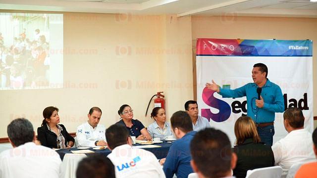 """Realizan foro """"Por la seguridad en Michoacán"""" en Lázaro Cárdenas"""