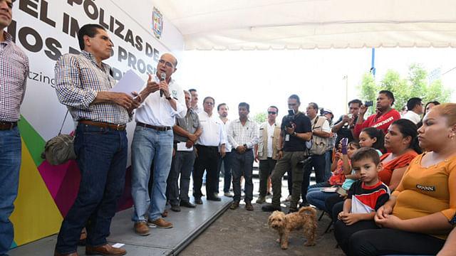 Programa IMSS Prospera entrega 100 polizas en Apatzingán y sus tenencias