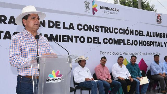 Inaugura Silvano Aureoles obras de infraestructura en Paníndicuaro