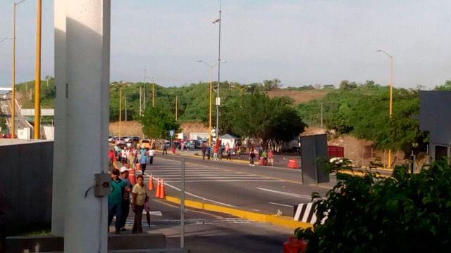 Este jueves, integrantes de la CNTE se manifestarán nuevamente en casetas de peaje