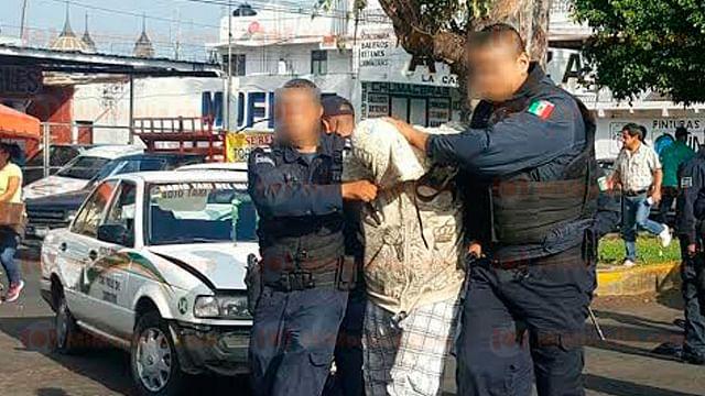 Robó un taxi frente la Fiscalía de Zamora, choca contra varios vehículos y es detenido