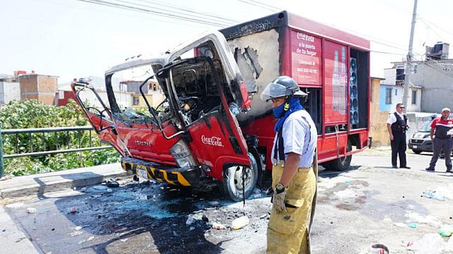 Presuntos estudiantes queman vehículo en Torremolinos