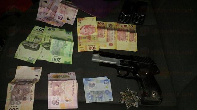 Robaba con una pistola de plástico en Apatzingán