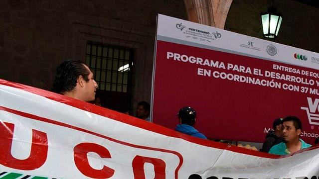 Cancelan evento de entrega de apoyos por manifestación en Palacio de Morelia