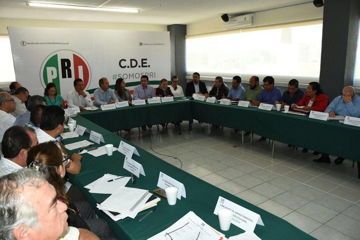 Reconoce Víctor Silva trabajos de delegados y coordinadores electorales