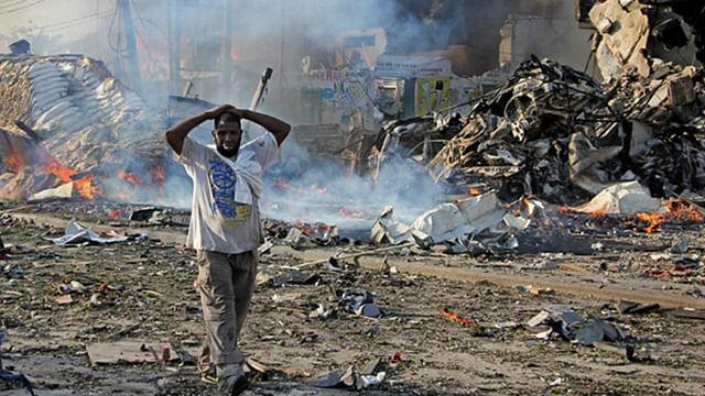 Somalia entierra a los muertos del peor ataque en su historia