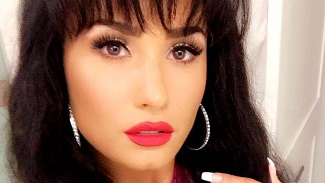 Video: Demi Lovato se disfraza de Selena Quintanilla