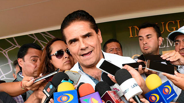 """No se expongan"", reitera Silvano Aureoles a ediles"