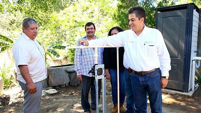 Por fin llega el agua a comunidades marginadas de Tiquicheo