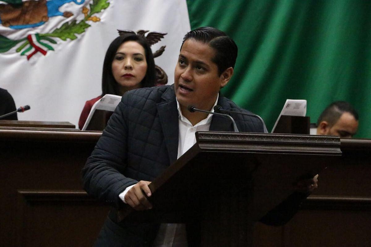 Que replanteen términos de créditos disponibles para taxistas morelianos, pide Daniel Moncada