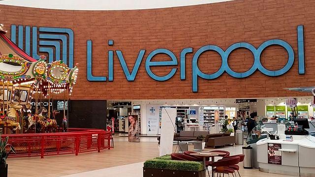 Acusan venta de réplicas de relojes como originales en Liverpool