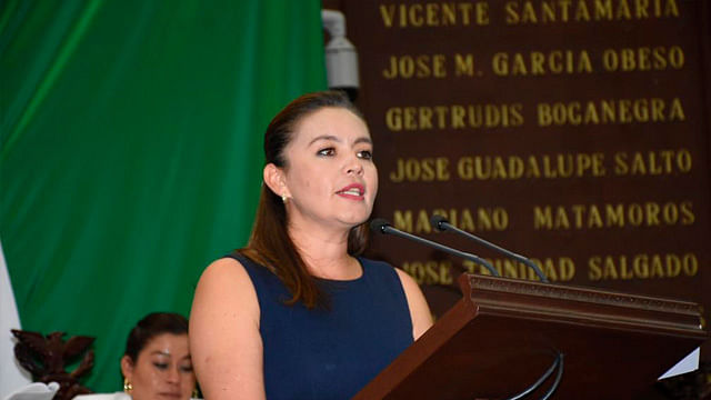 Ciudadanos fundamentales en el combate a la corrupción; Yarabí Ávila González