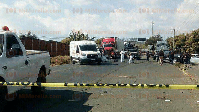 Acribillan al chofer de una camioneta en Uruapan