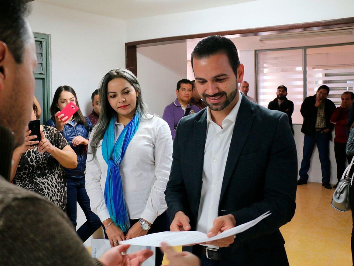 Yankel Benítez registra su aspiración para ser diputado independiente