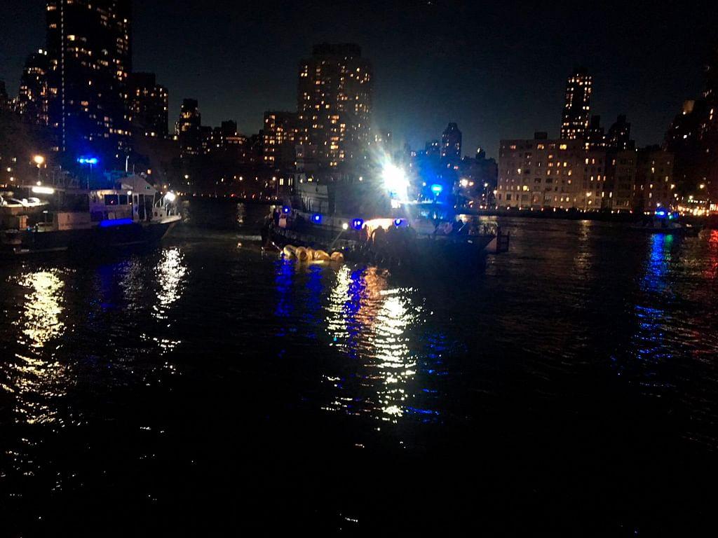 Suman, al momento, cinco muertos por caída de helicóptero a río en NY