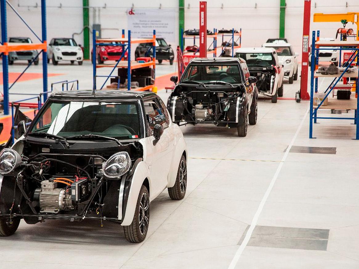 Arranca producción del primer auto eléctrico mexicano