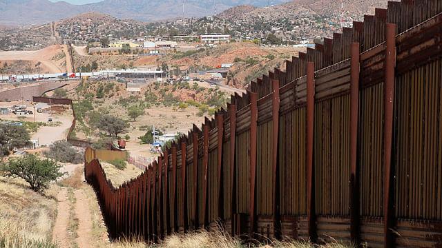 Han separado agentes fronterizos a cerca de dos mil niños de sus familias