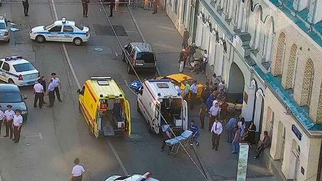 Taxista ruso atropella a aficionados en Moscú; hay dos mexicanas heridas