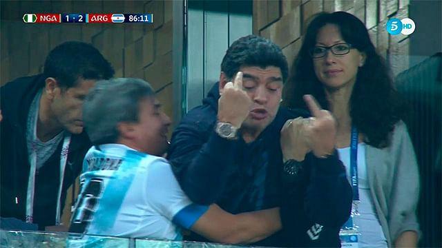 Tras insulto FIFA pide a Maradona respeto
