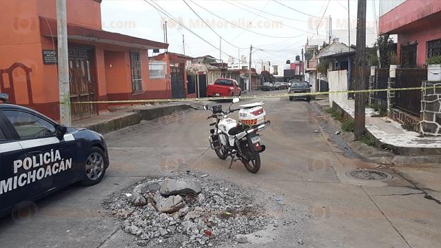 Desconocidos acribillan a sujeto en su propia casa, en Uruapan