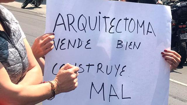 Con bloqueo a la Calzada de Tlalpan, damnificados del sismo del 19-S piden a constructora atender peticiones