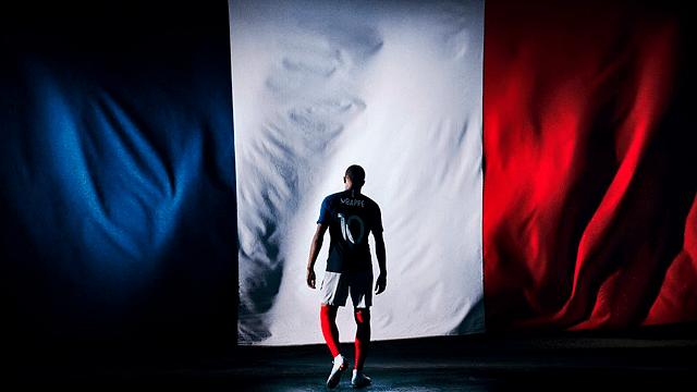 Políticos y celebridades felicitan a Francia por llevarse la Copa del Mundo