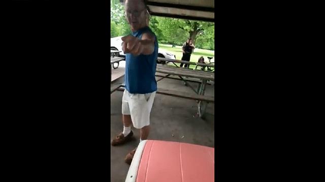 Puertorriqueña graba agresión verbal de hombre xenófobo