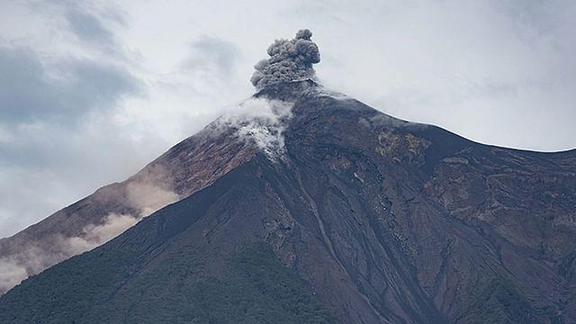 Desde el pasado 3 de septiembre el volcán de Fuego ha registrado un incremento en su actividad, la cual aumentó aún más en la madrugada de este jueves