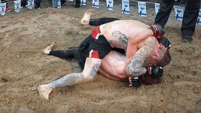 Tatuador, chofer de Uber, soldado y Hooligan se enfrentan en torneo de pelea