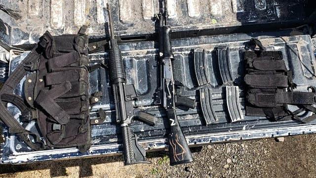 Aseguran a 4 hombres con armas y vehículo robado en Tanhuato