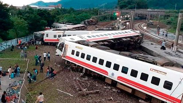 Se descarrila tren en Taiwán, hay 18 muertos