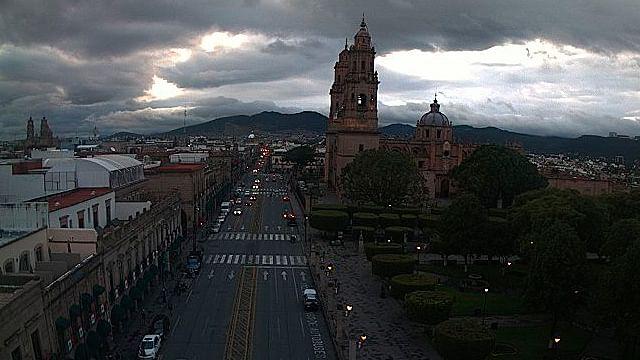 Continuará el frío y la lluvia este domingo en Morelia
