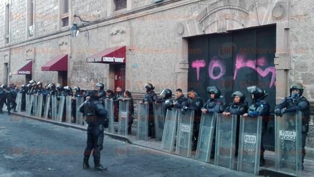 Policía resguarda Palacio Legislativo, previo a votación de paquete fiscal 2019