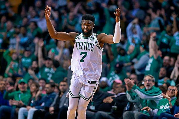 Boston apaleó en casa a Charlotte (Resumen de la NBA)