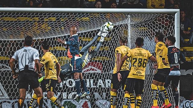 Con la ayuda de un Ángel, Monarcas avanza en la Copa