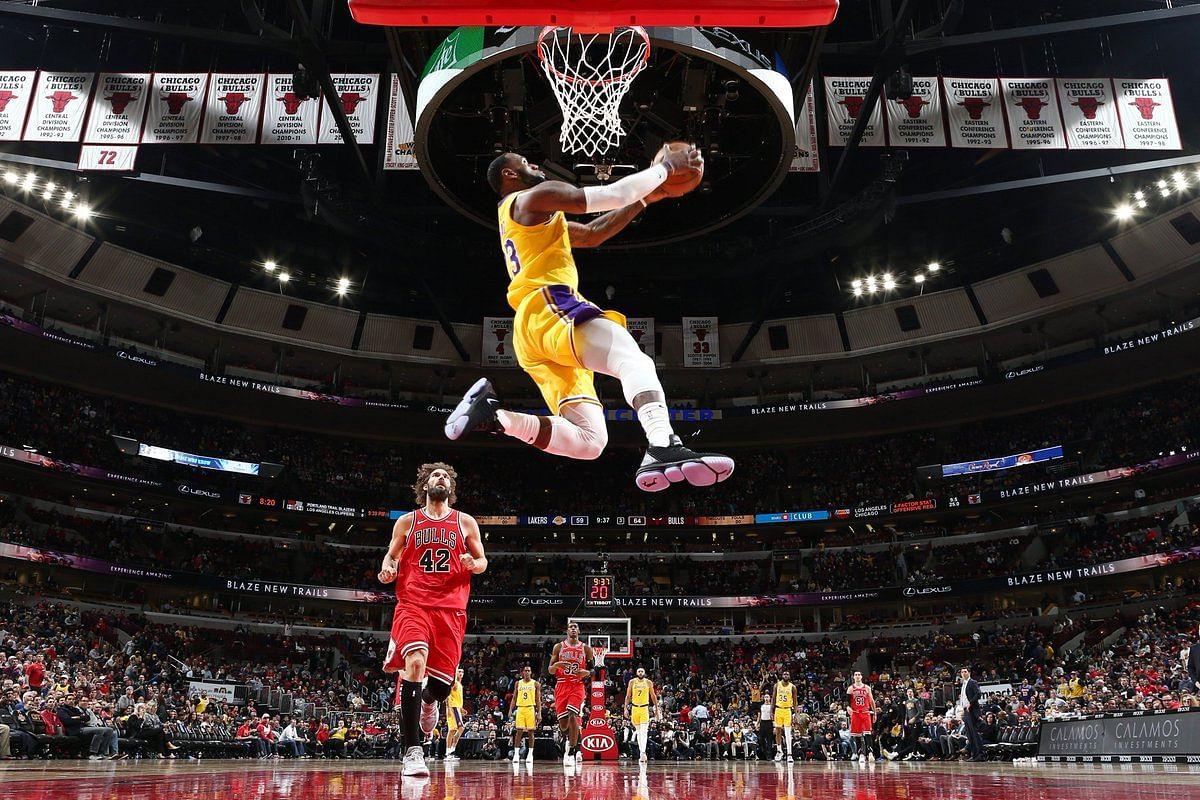 LeBron y los Lakers cortaron racha negativa ante Chicago