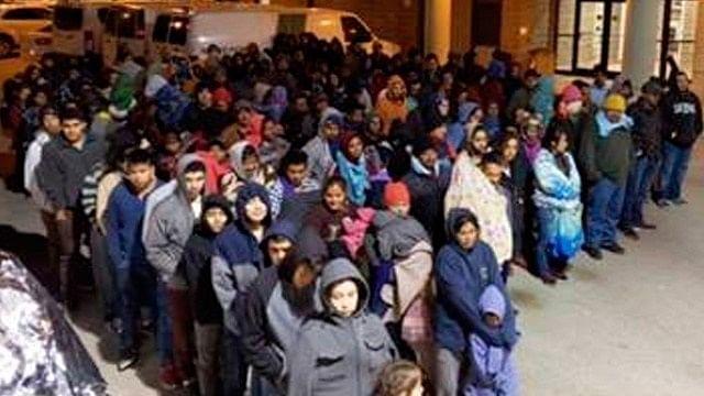 Detiene Patrulla Fronteriza a 446 migrantes en Texas