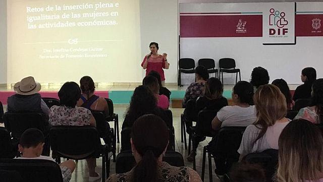 México en deuda en reconocimiento laboral de mujeres: Josefina Cendejas