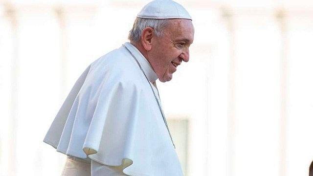 Papa Francisco pide a los jóvenes no ser esclavos del celular