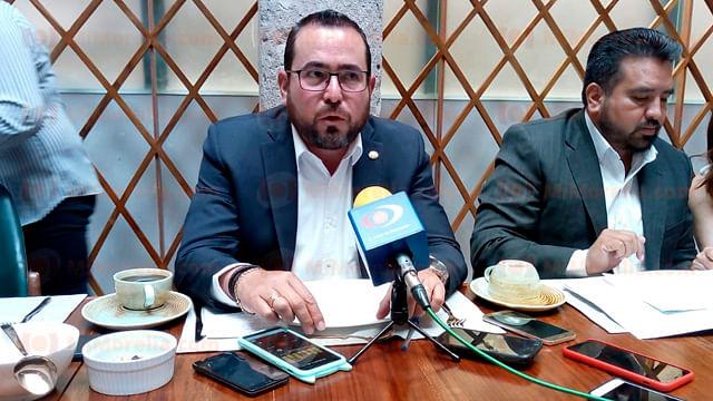 Michoacán y Guerrero se unieron para defender futuro de la ZEE: Humberto González