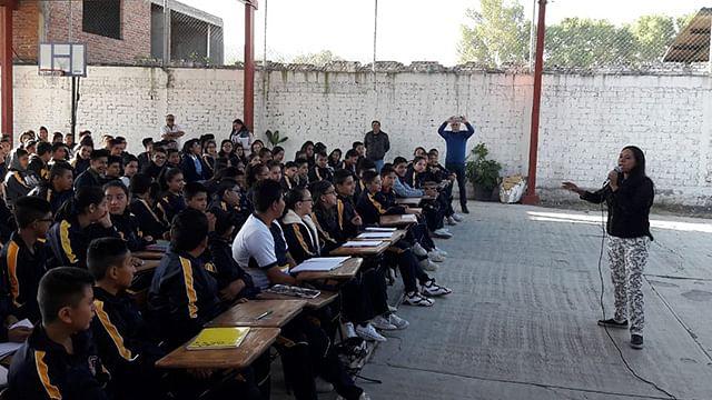 Reciben adolescentes de Tarímbaro taller sobre manejo de las emociones