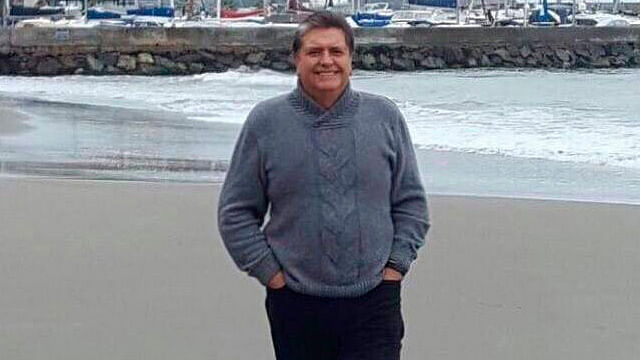 Expresidente de Perú se dispara en la cabeza para evitar ser detenido