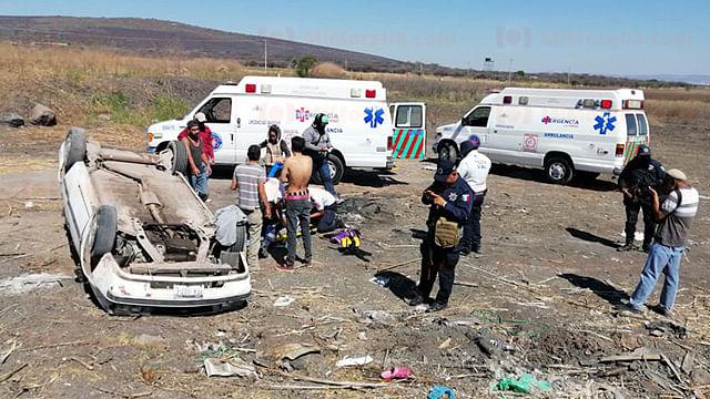 Al sitio de la emergencia se presentaron los agentes de la Policía Michoacán y los socorristas de Radio Auxilio Voluntario (Foto: Red 113)