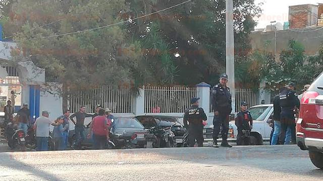 Navajean a padre e hijo durante entierro en Los Reyes