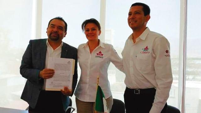 Tony Martínez firma convenio con la Congregación Mariana Trinitaria